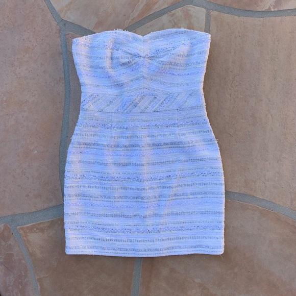 Trina Turk Dresses & Skirts - Trina Turk Textured Strapless Mini Dress